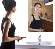 Der Cybertechture Mirror, ein Spiegel mit Internetzugang und mehr
