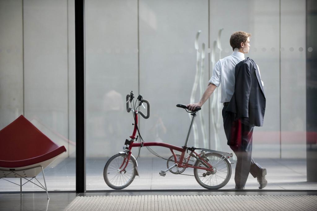 Wer mit dem Faltrad in der Stadt unterwegs ist, entdeckt immer neue Dinge, sieht mehr - und wird gesehen.