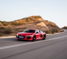 Messerscharf: Die Formensprache des Audi R8 V10 lässt keinerlei Zweifel an seinen Ambitionen