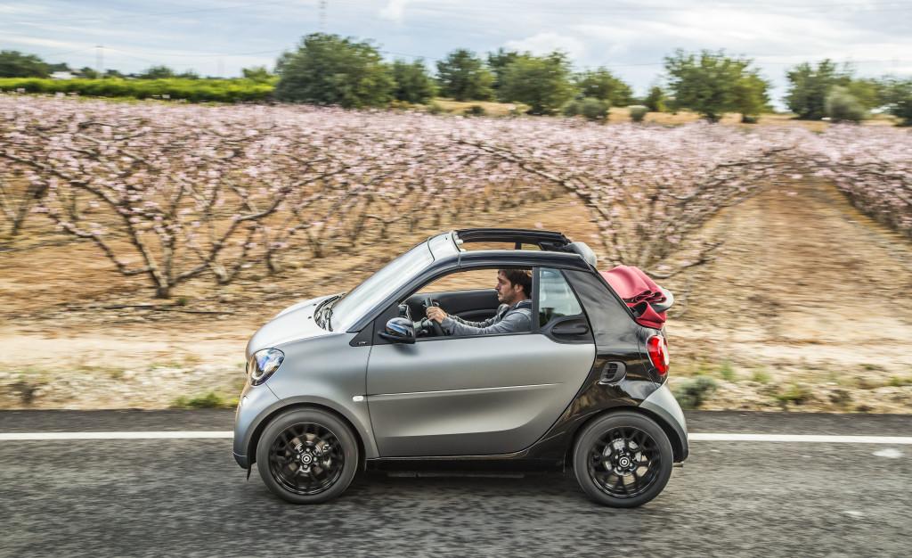Minimale Maße - maximaler Spaß: Das smart fortwo cabrio