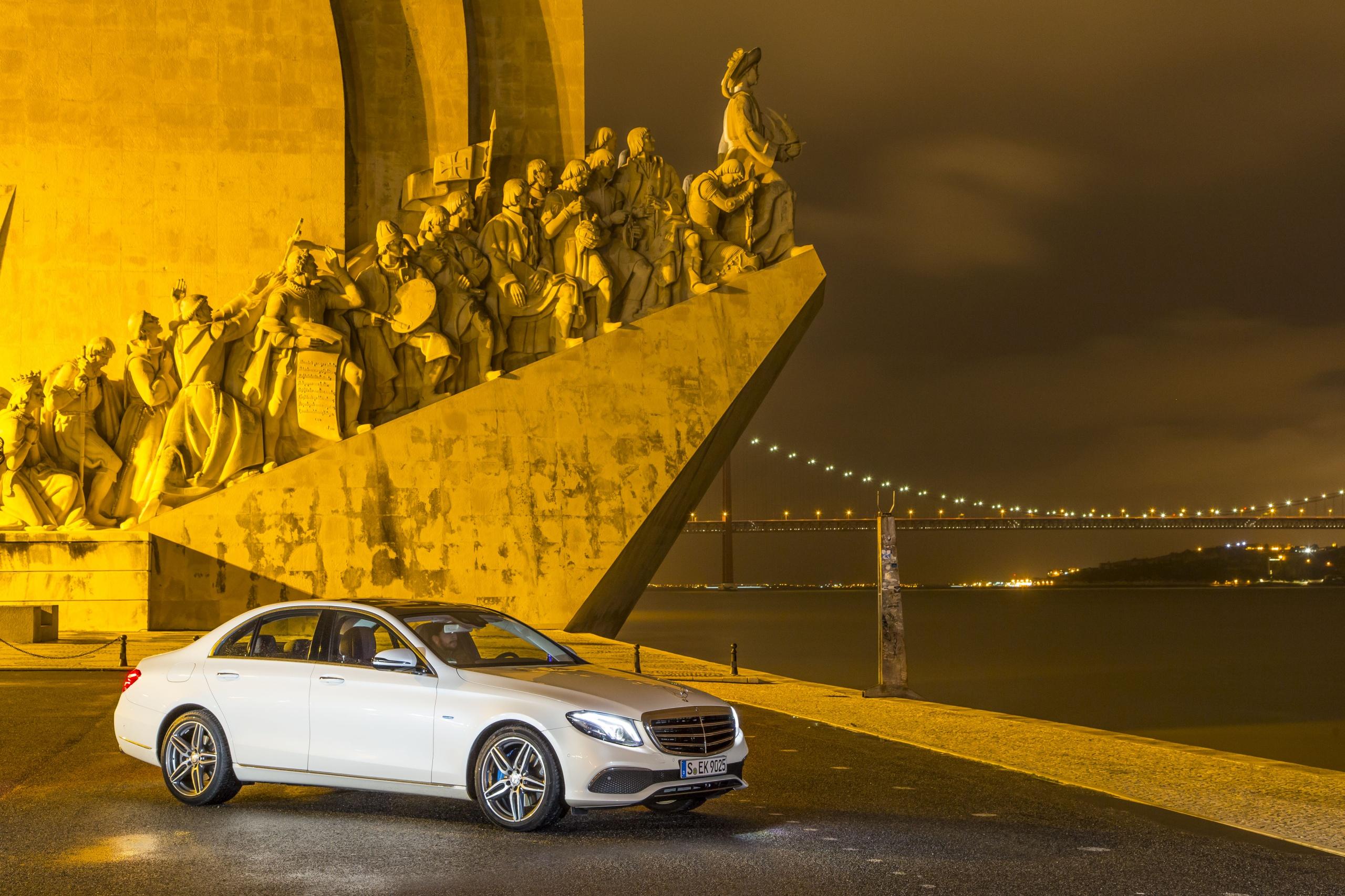 Keine Limousine wie jede andere: Die neue E-Klasse beherrscht das teilautonome Fahren