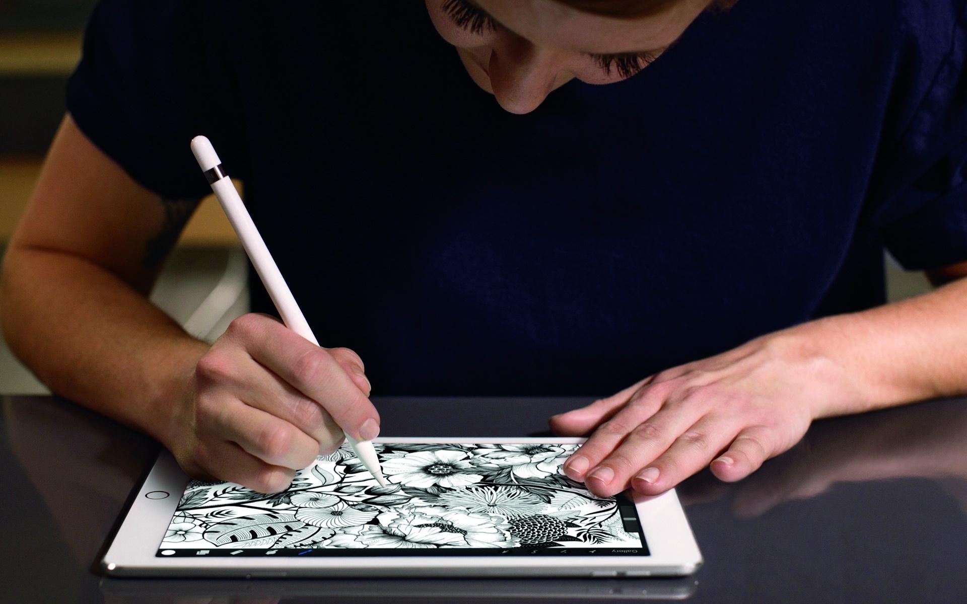 Klar: Auch das kleine iPad Pro arbeitet mit dem Apple Pencil und natürlich gibt es auch ein passendes Keyboard