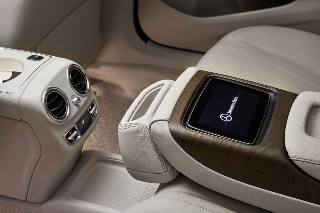Hurra, ein Touchscreen - der erste in einem Mercedes
