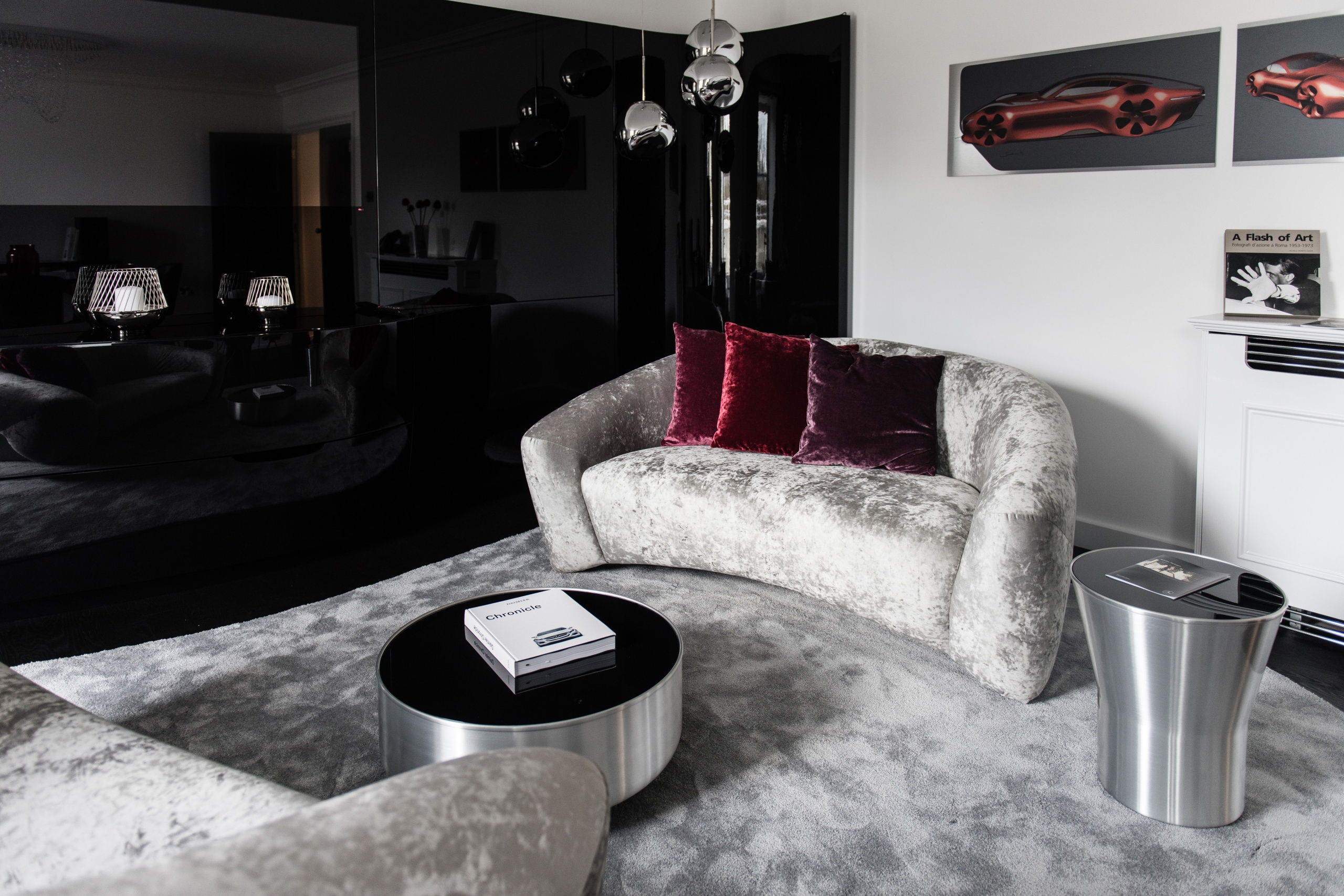 In Kooperation mit der Frasers Hospitality Group, einem international führenden Anbieter von Luxus-Appartements mit Servicedienstleistungen, steigt Mercedes-Benz in den Markt der Premium-Business-Appartements ein. Mercedes-Benz Living @ Fraser: Die Kombination aus sinnlichen Flächen, klaren Formen und innovativen Technologien machen modernen Luxus und Mercedes-Benz Exklusivität erlebbar. // Mercedes-Benz is entering the market for premium business apartments in collaboration with the Frasers Hospitality Group, a leading international provider of luxury serviced apartments. Mercedes-Benz Living @ Fraser: Cutting edge design, and innovative technologies give a sense of Mercedes-Benz exclusivity.
