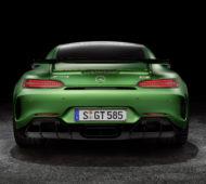 superfine from behind: Der AMG GT-R aus der Perspektive, aus der man ihn meistens sehen dürfte