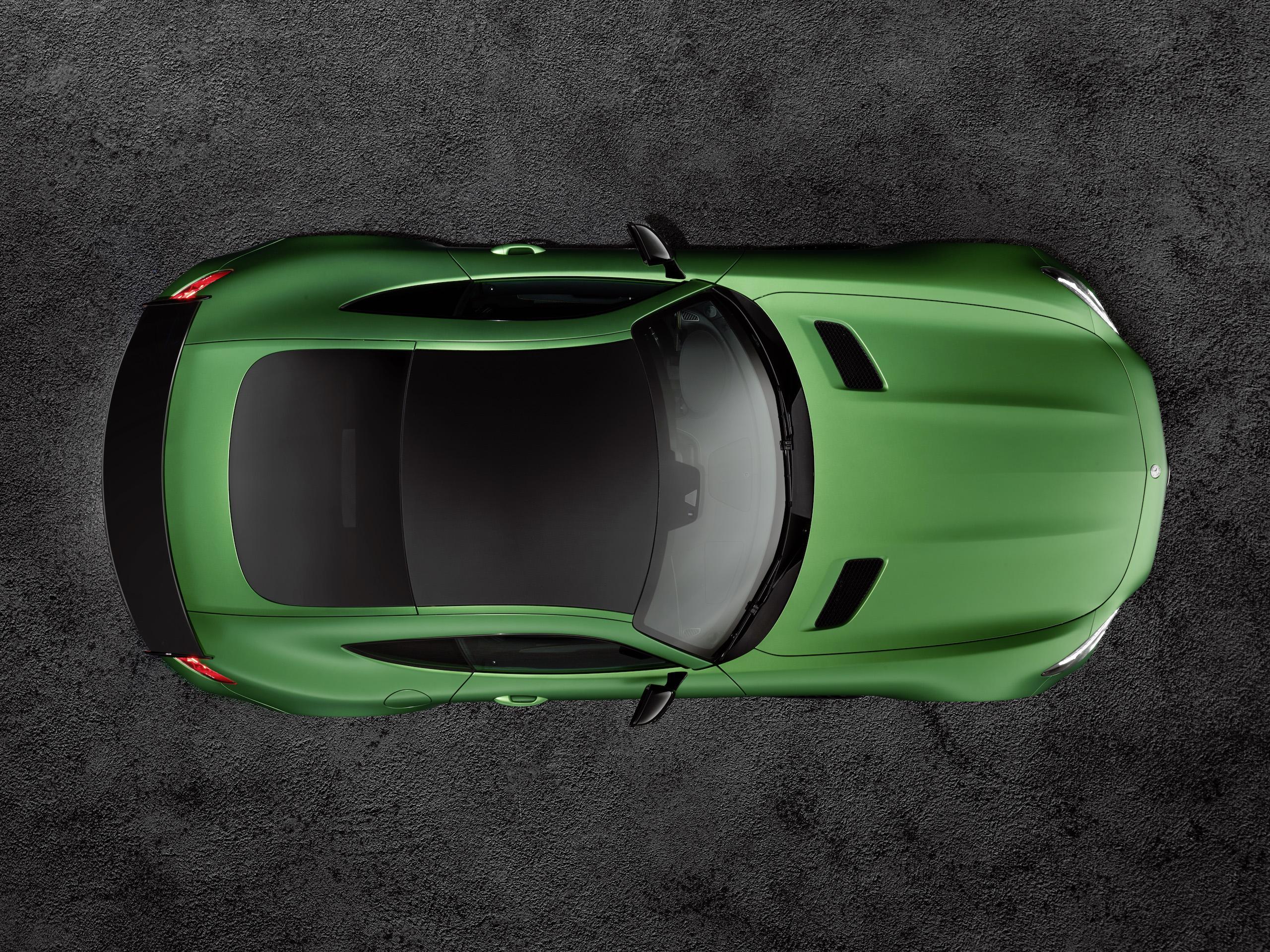 """Der Farbton heißt """"AMG green hell magno"""" und den gibt es nur für den Strich-R"""