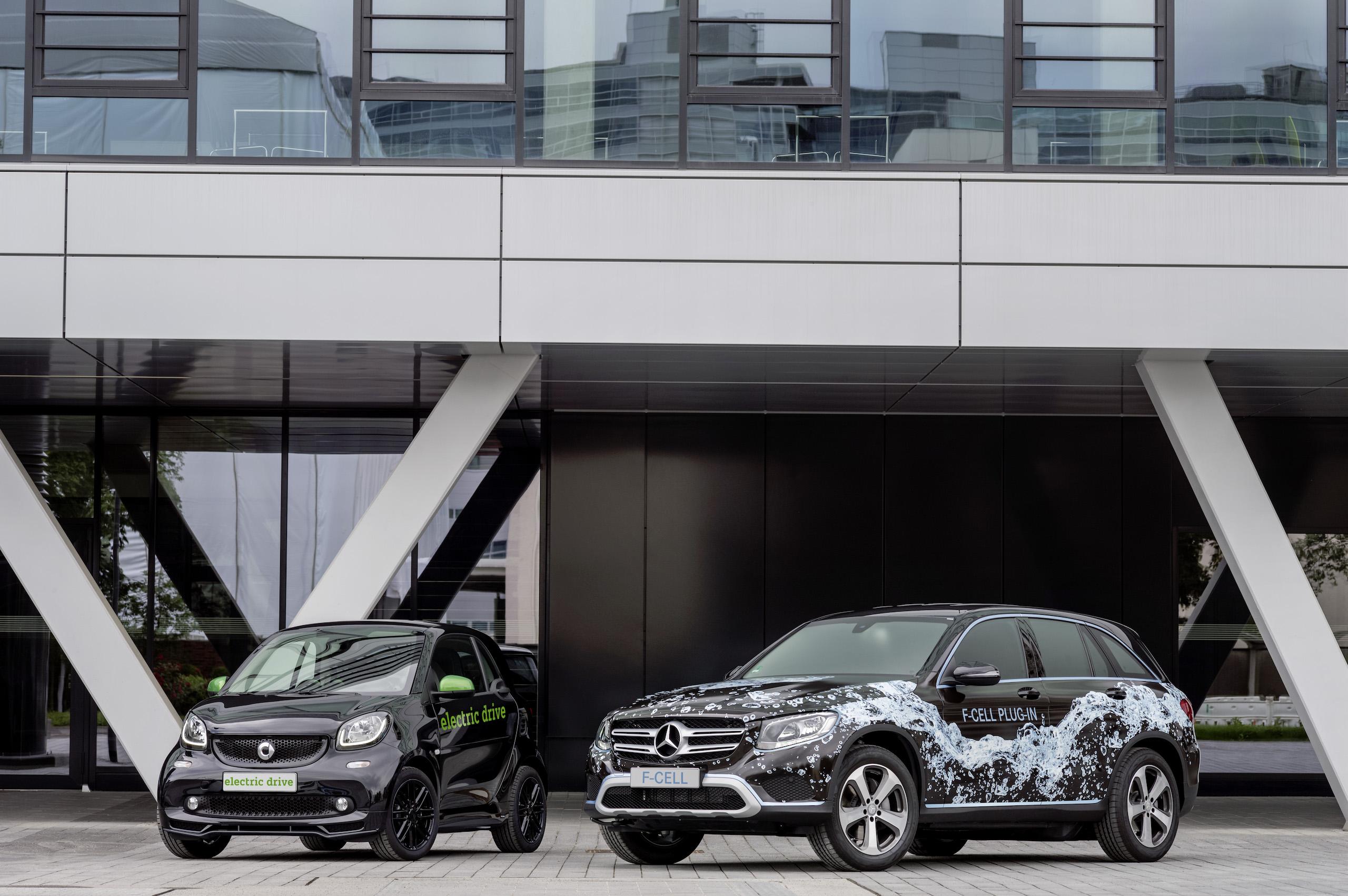 Die nächste Generation Brennstoffzellenfahrzeug von Mercedes-Benz: Ein Prototyp des Mercedes-Benz GLC-F-CELL. Außerdem der neue smart electric drive (Prototyp) , der noch in diesem Jahr startet.