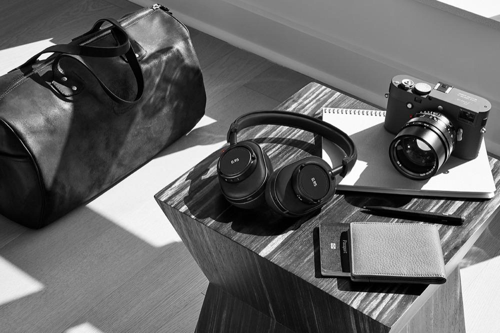 Leica zum Hören - Mit Hilfe von Master & Dynamic entwarf der Kameraspezialist eine Kopfhörerserie namens 0.95